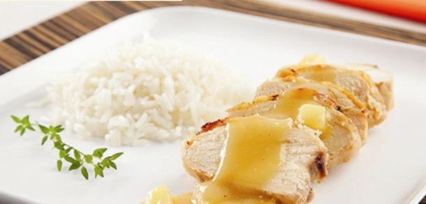 receita peito de frango assado com molho de abacaxi