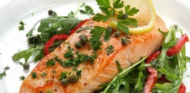 receita salmão com molho alcaparras