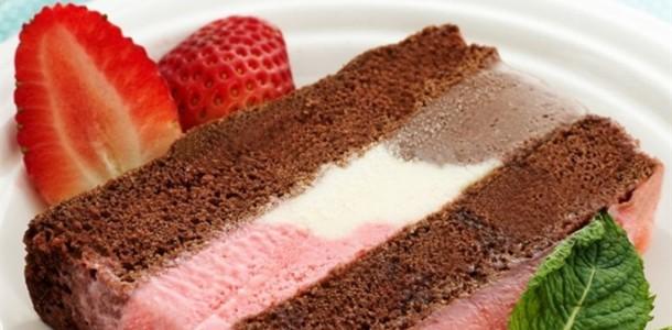 receita bolo de chocolate recheado