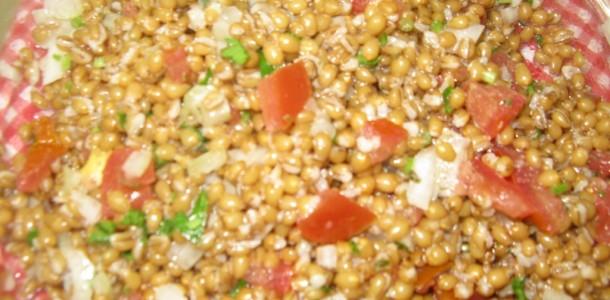 receita salada com trigo
