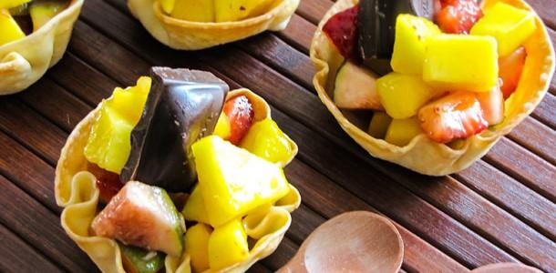 receita salada de fruta na cestinha