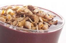 receita vitamina de açaí, banana e granola