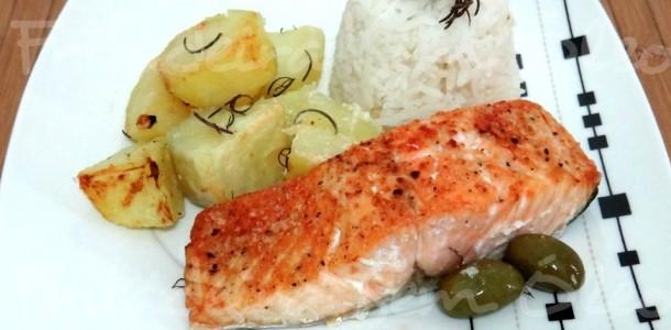 receita salmão com batatas assadas