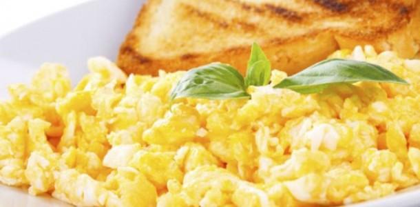 Café da Manhã com Ovos Mexidos