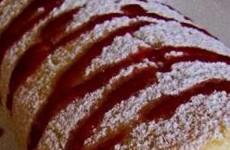 receita rocambole de coco com morango