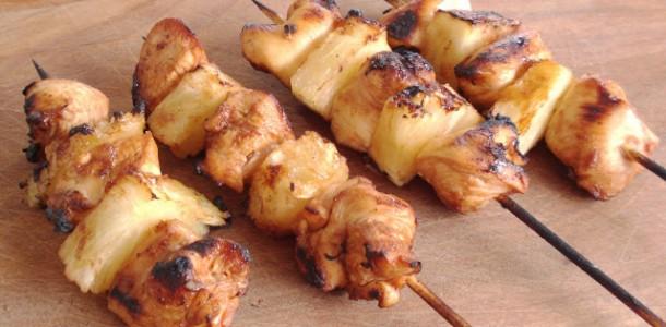receita espetinho de frango e abacaxi