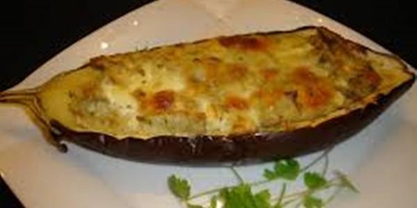 receita berinjela recheada com queijo