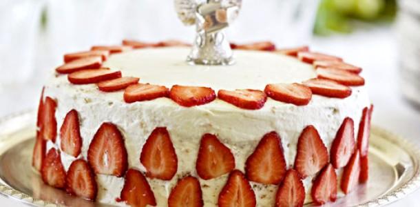 receita bolo de morango
