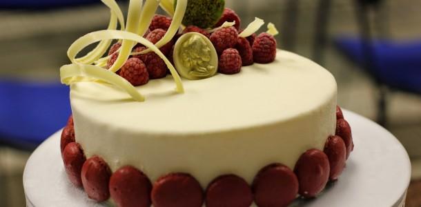 receita torta gelada de chocolate branco