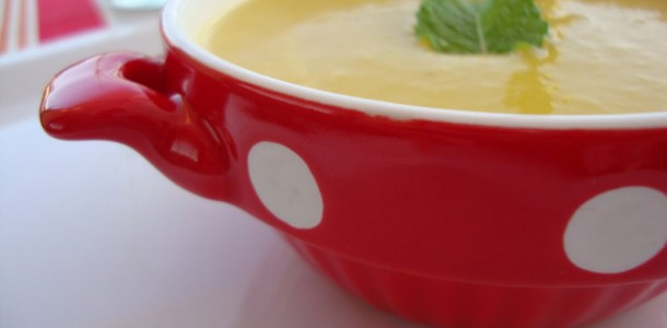 receita caldo de legumes com hortelã