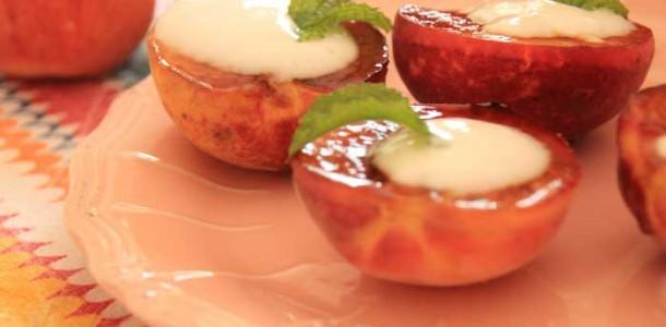 receita pêssegos grelhados com iogurte