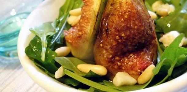 receita salada verde com figo grelhado