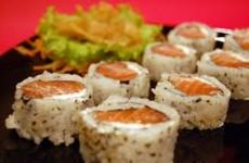 receita uramaki de salmão