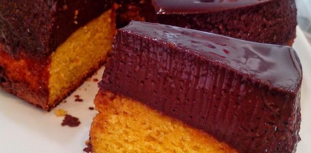 Bolo Pudim de Cenoura com Chocolate