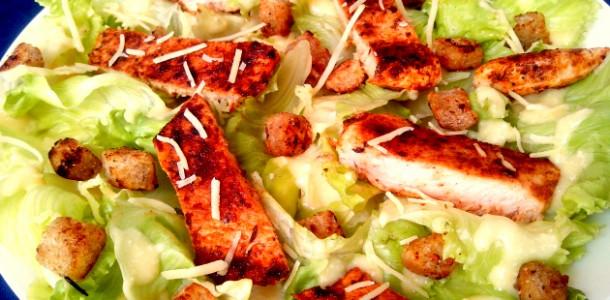 Salada com Molho Caesar Light