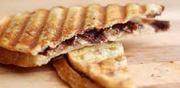 panini de chocolate com banana