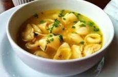 sopa de capeletti fácil