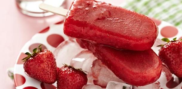 picolé de frutas vermelhas