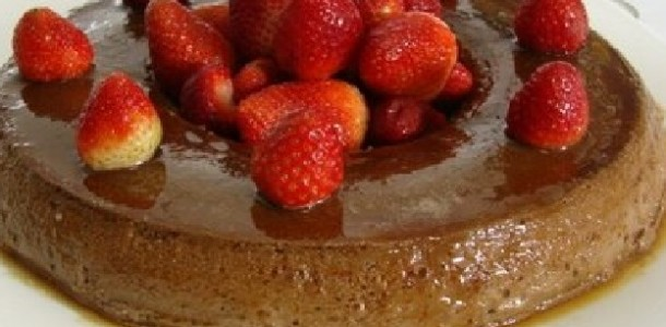 Pudim de Chocolate com Morango