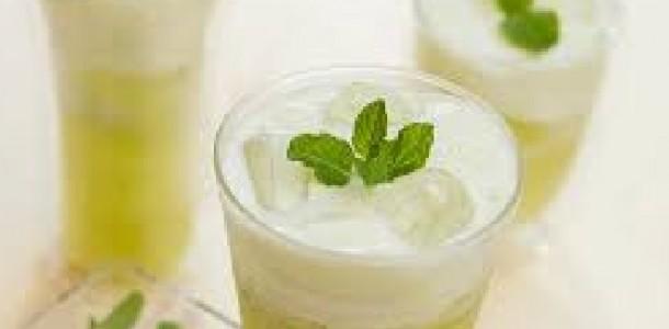 refresco de abacaxi com coco