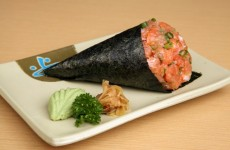 temaki de salmão com cream cheese