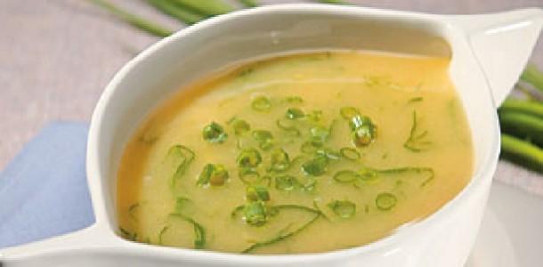 Sopa de Mandioca com Couve