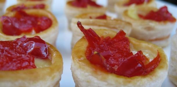 vol-au-vent de tomate com queijo