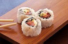 uramaki de salmão fácil
