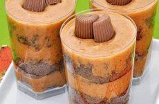 bolo-de-chocolate-e-pacoca-no-copinho