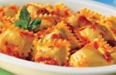 ravioli de presunto e queijo