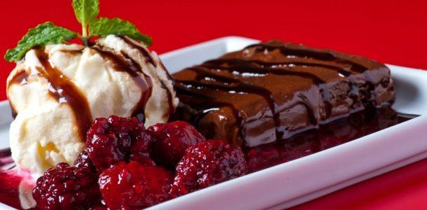 brownie de frutas vermelhas
