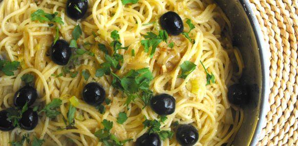 espaguete com bacalhau